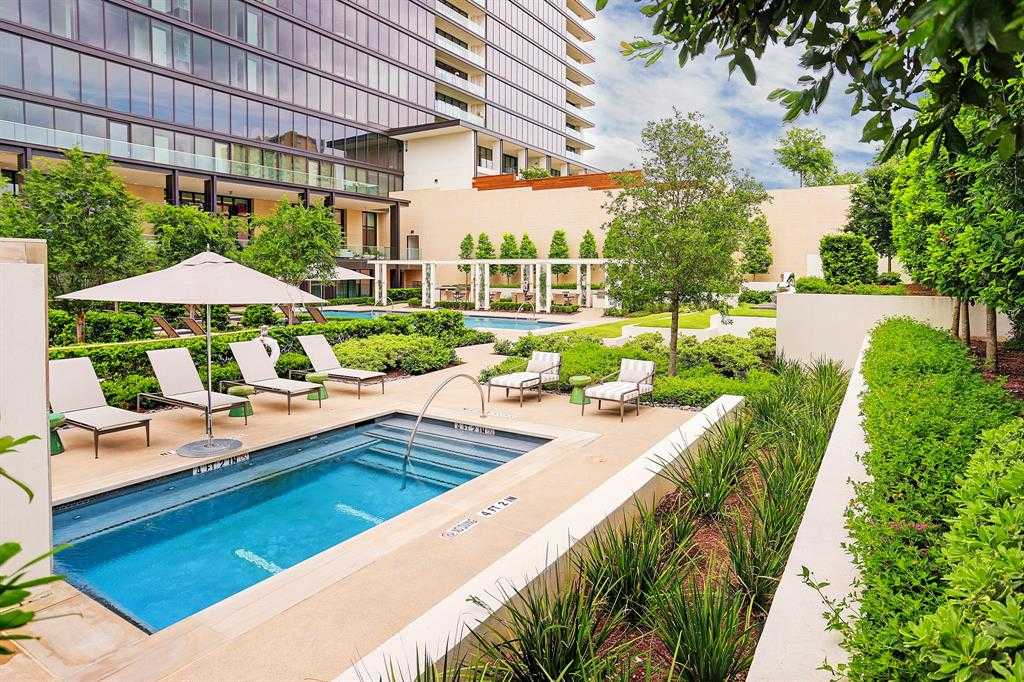 $3,100,000 - 3Br/4Ba -  for Sale in The River Oaks, Houston