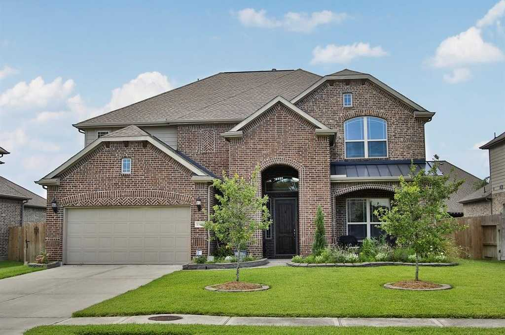 $369,999 - 4Br/4Ba -  for Sale in Hidden Lakes, League City