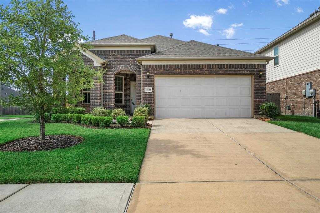 $250,000 - 3Br/3Ba -  for Sale in Waters Edge, Houston