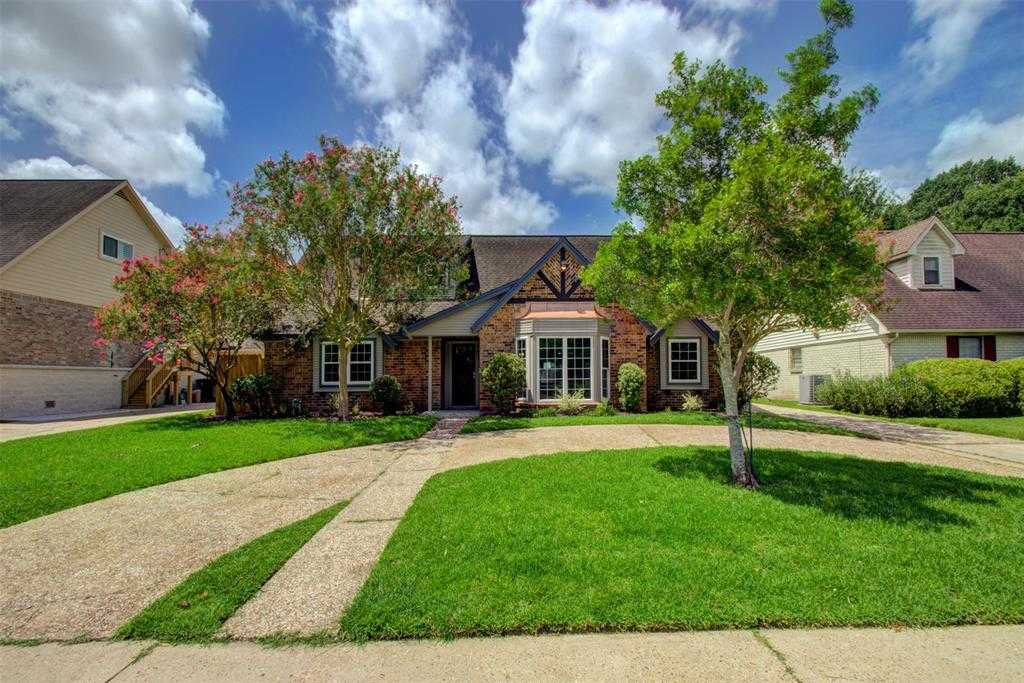$450,000 - 5Br/3Ba -  for Sale in Maplewood South Sec 05, Houston