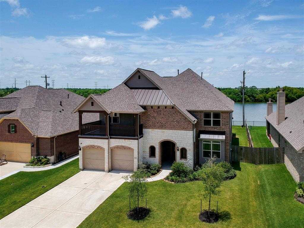 $399,900 - 4Br/3Ba -  for Sale in Hidden Lakes Sec 4 Ph 2, League City