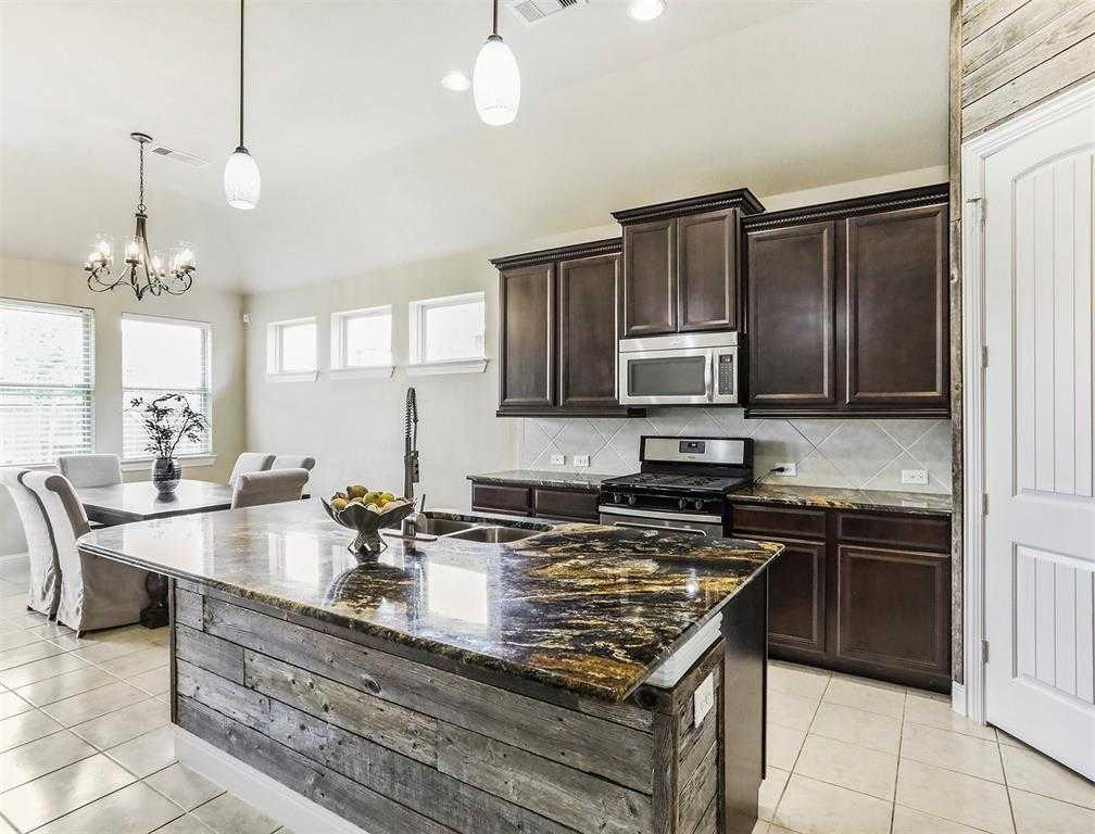 $289,900 - 4Br/3Ba -  for Sale in Hidden Lakes Sec 3 Ph 2, League City