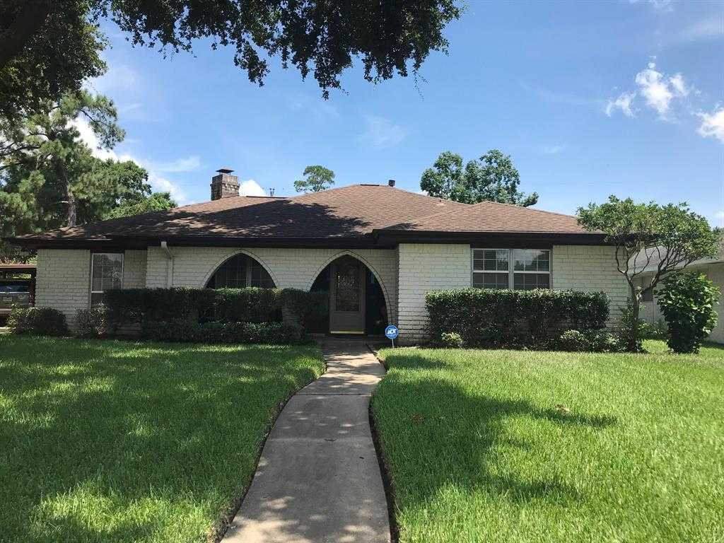 $209,000 - 4Br/3Ba -  for Sale in Sheraton Oaks, Houston