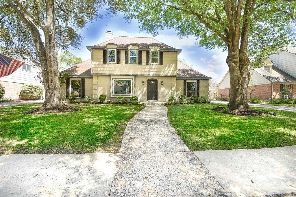 $400,000 - 4Br/3Ba -  for Sale in Lakeside Place, Houston