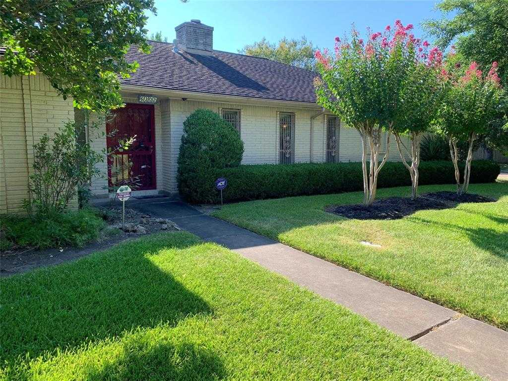 $250,000 - 3Br/2Ba -  for Sale in Sharpstown Country Club, Houston