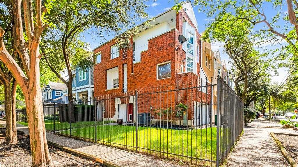 - 2Br/3Ba -  for Sale in Westmoreland, Houston