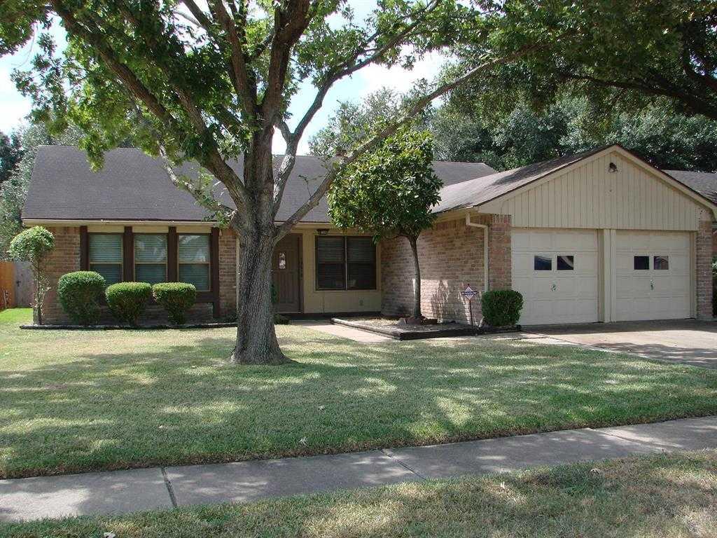 $179,900 - 4Br/2Ba -  for Sale in Westlake Forest, Houston