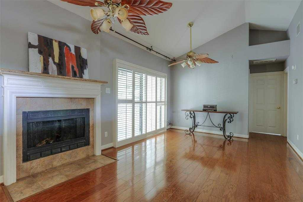 $117,000 - 2Br/1Ba -  for Sale in Creekwood Vill Condos 02, Spring