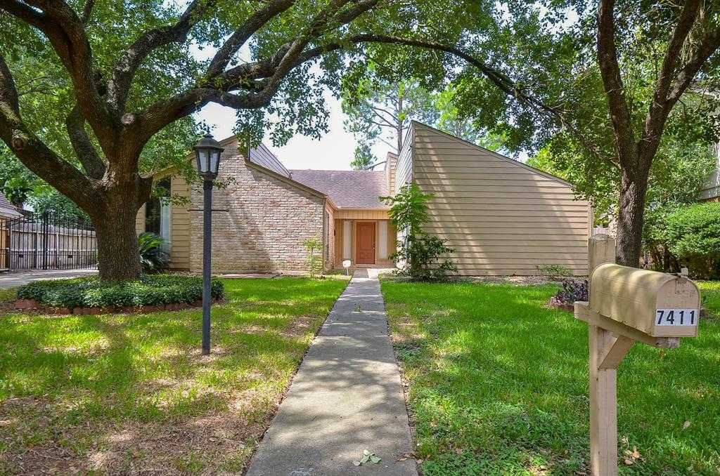 $250,000 - 4Br/2Ba -  for Sale in Hearthstone Sec 01 Corr Place, Houston