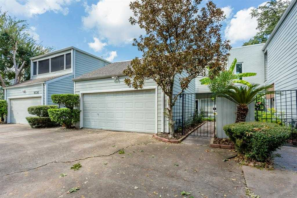 $239,990 - 2Br/3Ba -  for Sale in Val Verde Park, Houston