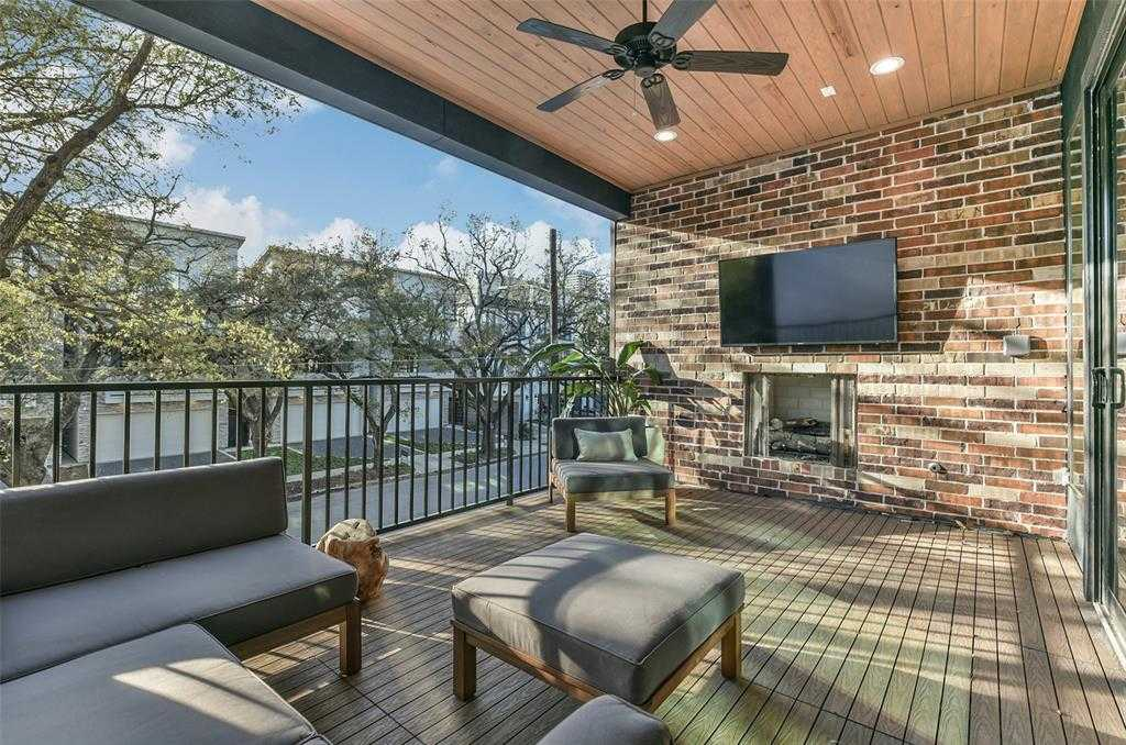 $1,099,000 - 3Br/4Ba -  for Sale in Renesu Court, Houston