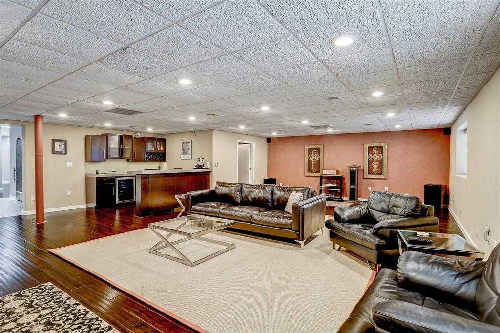$3,000,000 - Br/Ba -  for Sale in Glen Park, Houston