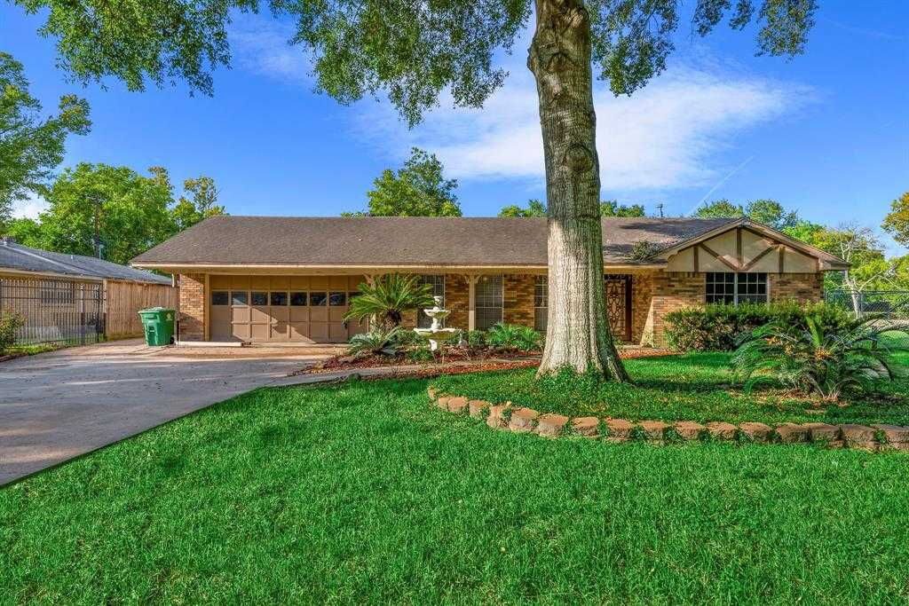 $330,000 - 3Br/2Ba -  for Sale in Dow Acres, Houston
