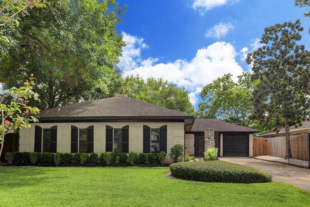 $250,000 - 3Br/2Ba -  for Sale in Ashford West Sec 01, Houston