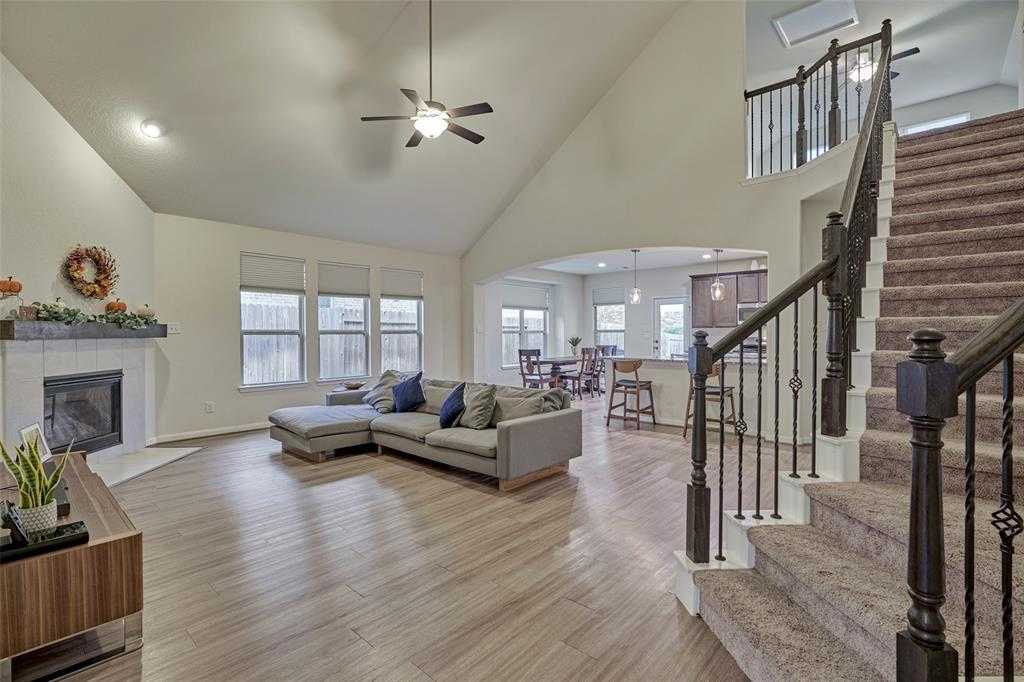 $275,000 - 3Br/3Ba -  for Sale in Woodforest 42, Montgomery