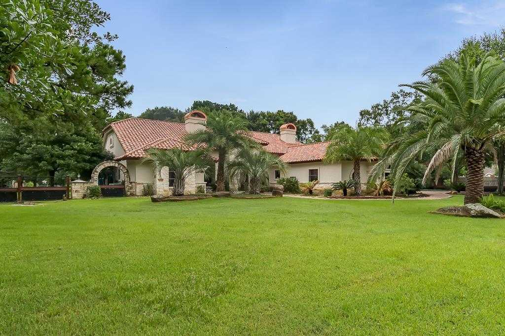 $639,900 - 4Br/4Ba -  for Sale in Cypress Park U/r, Houston