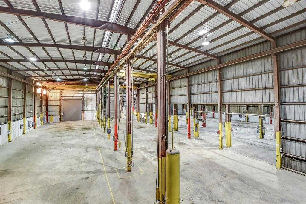 $2,500,000 - Br/2Ba -  for Sale in None, Tomball