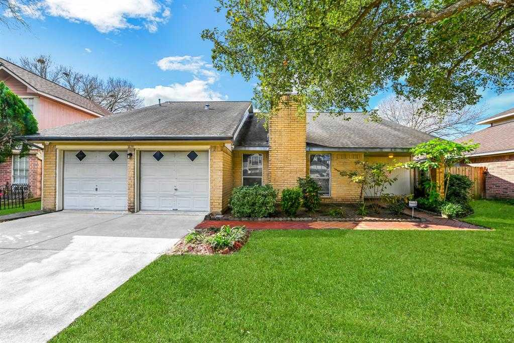 $179,900 - 3Br/3Ba -  for Sale in Parkway West Sec 01, Katy