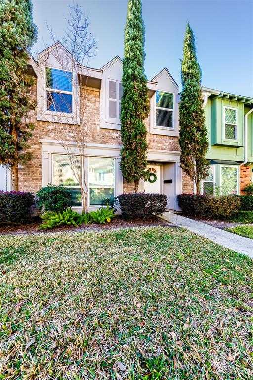 $232,000 - 3Br/3Ba -  for Sale in Memorial Cllub Townhouses, Houston