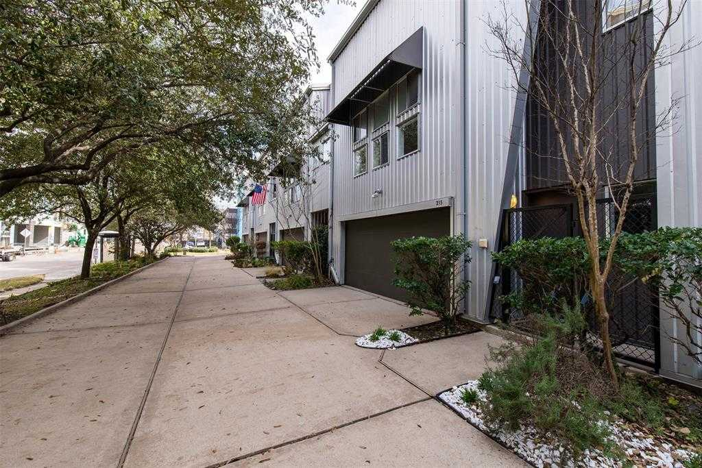 $339,000 - 2Br/2Ba -  for Sale in Gray Ave Twnhms, Houston