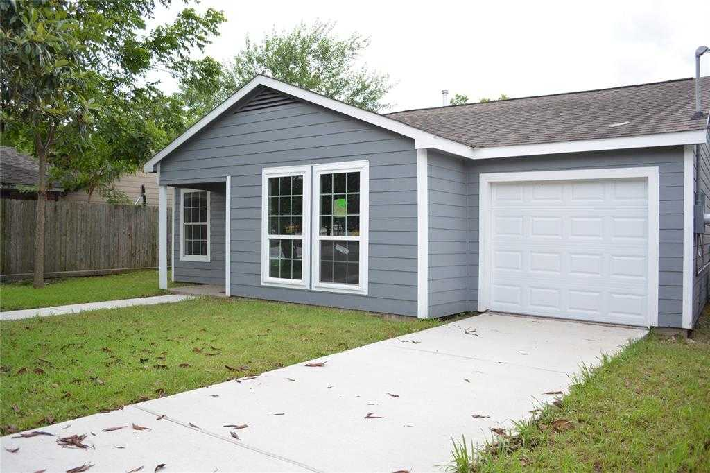 $169,999 - 2Br/1Ba -  for Sale in Rossonian Court, Houston