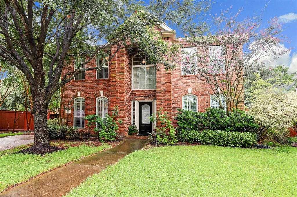 $288,000 - 3Br/3Ba -  for Sale in Villages At Lakepointe, Houston
