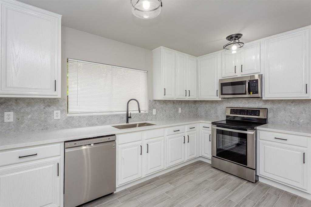 $199,900 - 3Br/2Ba -  for Sale in Wdlnds Village Panther Ck 07, The Woodlands