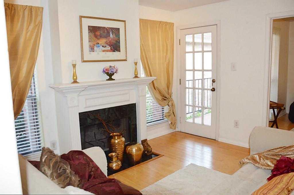 $209,900 - 1Br/2Ba -  for Sale in River Oaks Gardens Condo, Houston