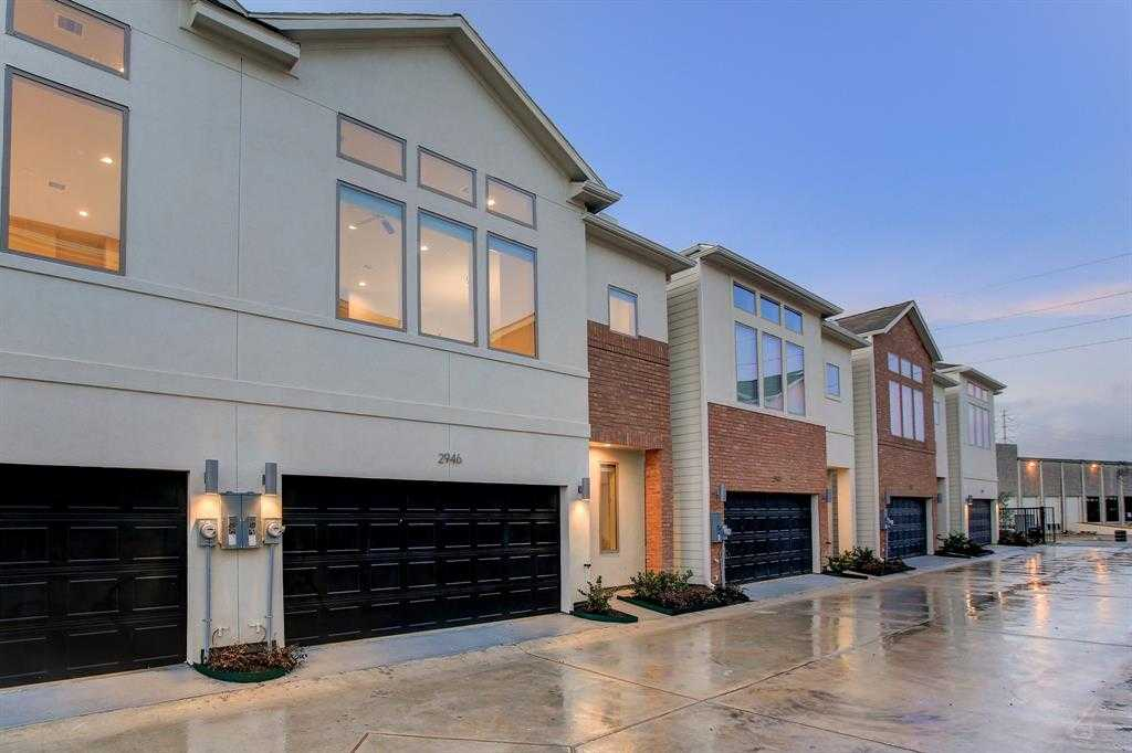 $304,700 - 3Br/3Ba -  for Sale in Grand At Alice Park, Houston