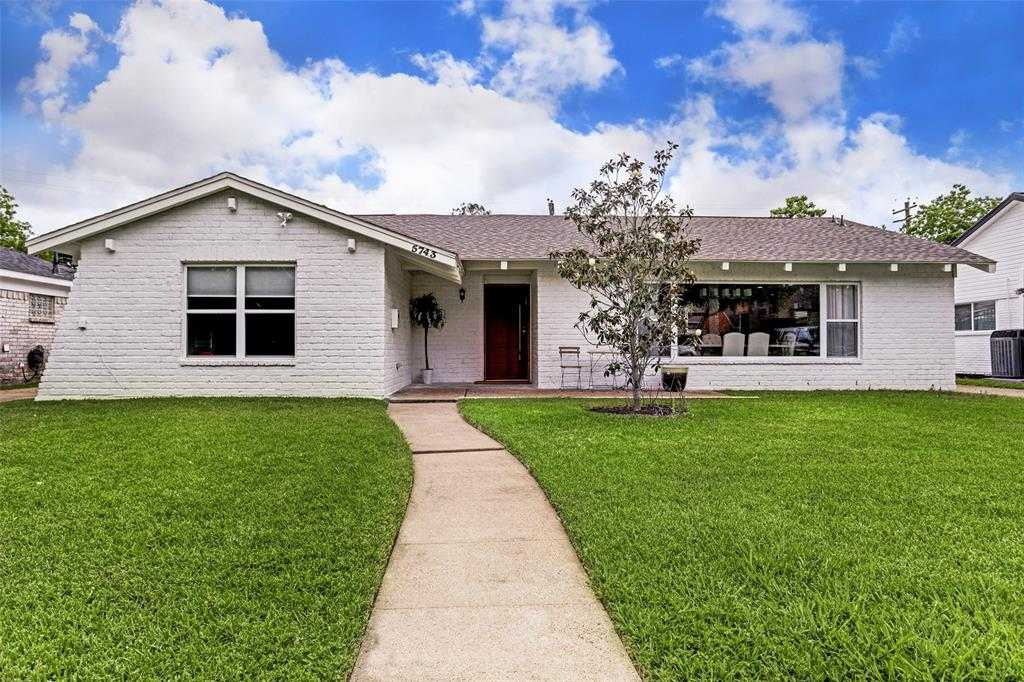 $499,990 - 4Br/3Ba -  for Sale in Maplewood North Sec 02, Houston
