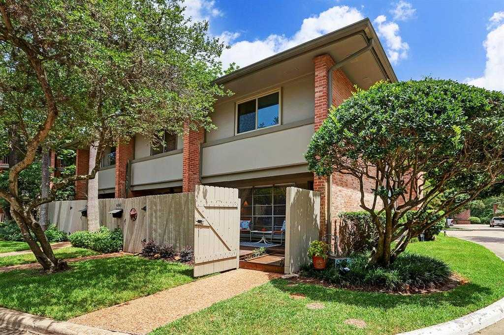 $245,000 - 2Br/2Ba -  for Sale in Kerry Glen Condo Sec 03, Houston