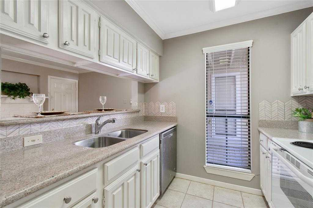 $105,000 - 1Br/1Ba -  for Sale in Creekwood Vill Condos 01, The Woodlands