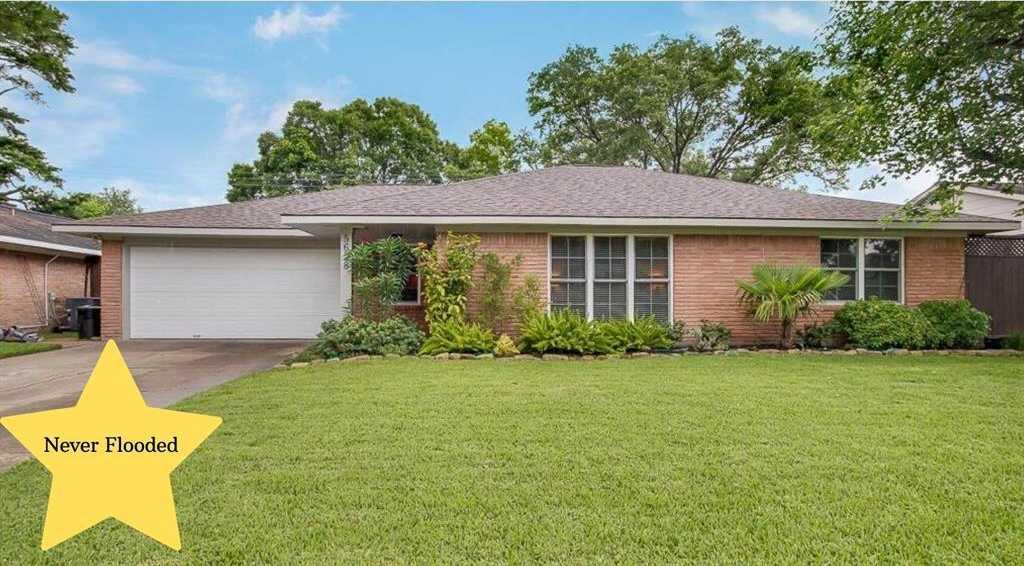 $284,900 - 3Br/2Ba -  for Sale in Westbury Sec 03, Houston