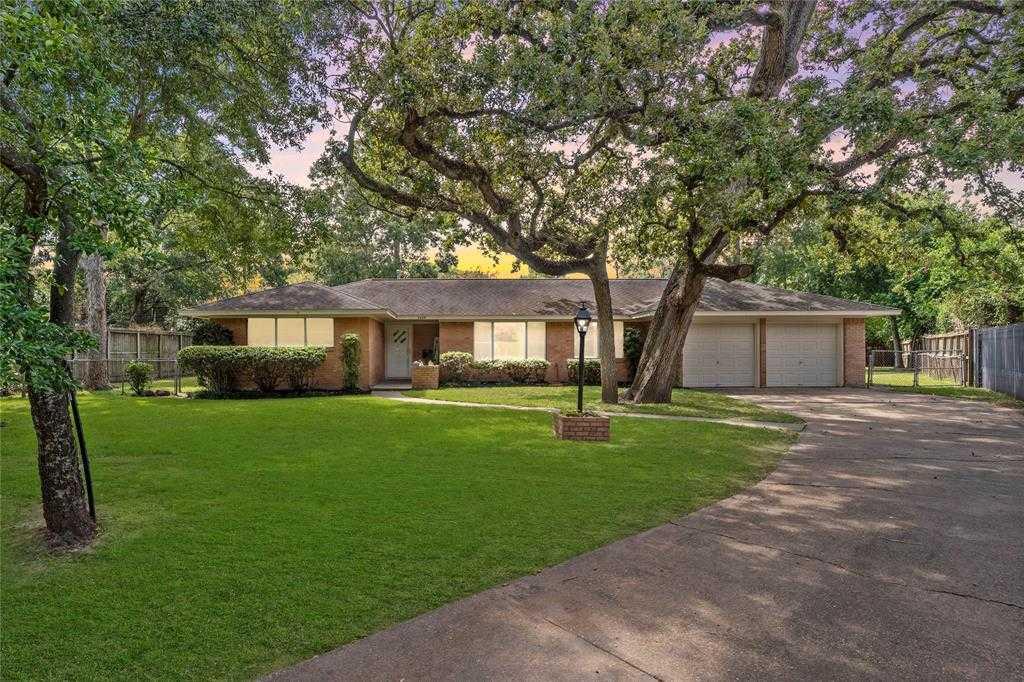 $450,000 - 3Br/2Ba -  for Sale in Spring Branch Woods Sec 02, Houston