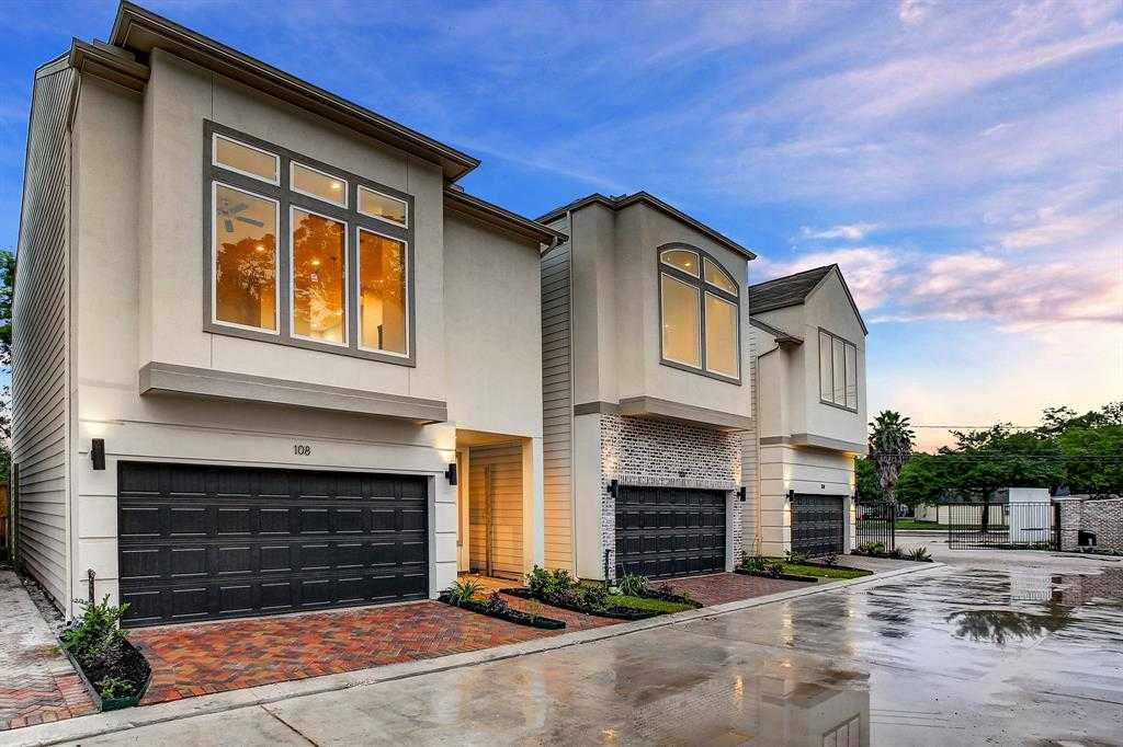 $274,700 - 3Br/3Ba -  for Sale in Park At Yale, Houston