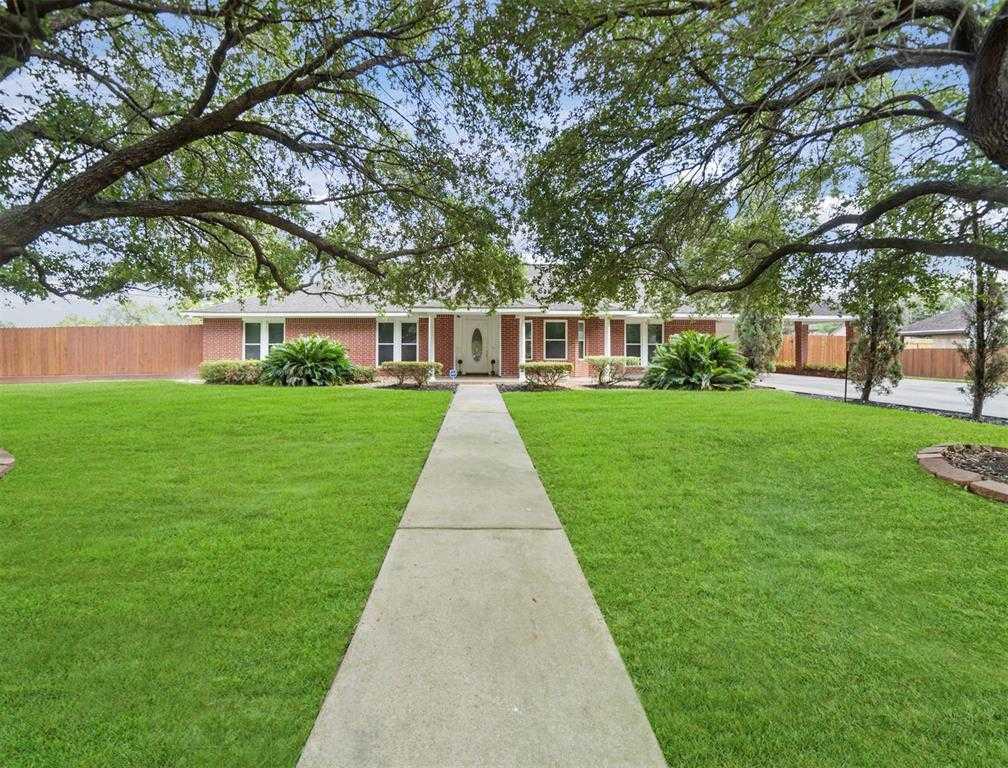 $260,000 - 3Br/2Ba -  for Sale in North Shepherd Manor, Houston