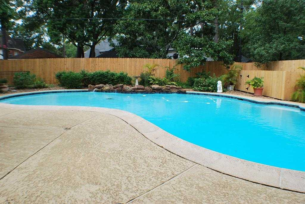 $315,000 - 5Br/4Ba -  for Sale in Woods Of Wimbledon, Houston