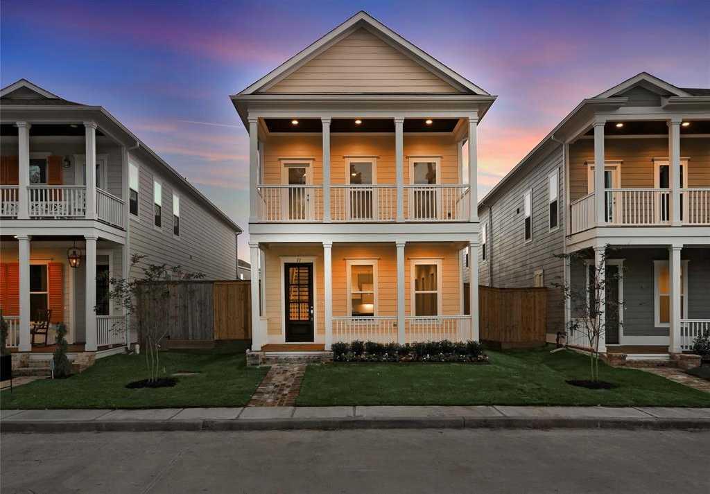$432,915 - 3Br/3Ba -  for Sale in Harper Woods Springwoods Village, Spring