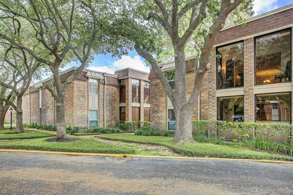 $134,900 - 1Br/1Ba -  for Sale in Bayou Woods Condo, Houston