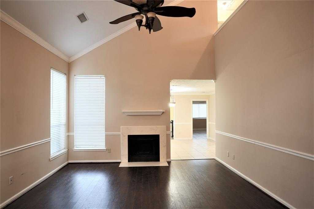 $189,000 - 3Br/3Ba -  for Sale in Green Valley Estates, Houston