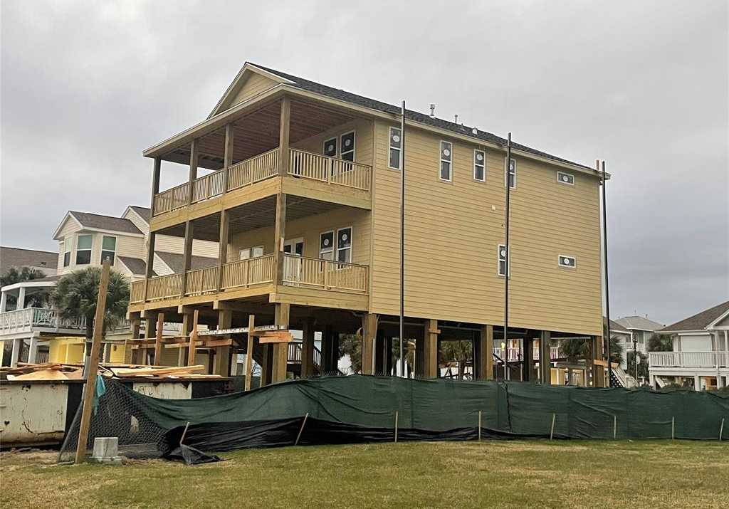 $795,000 - 4Br/5Ba -  for Sale in Pirates Beach West, Galveston
