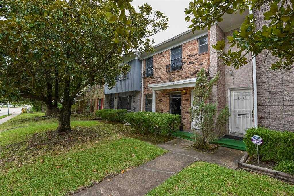 $160,000 - 3Br/3Ba -  for Sale in University Arms T/h Sec 02, Houston