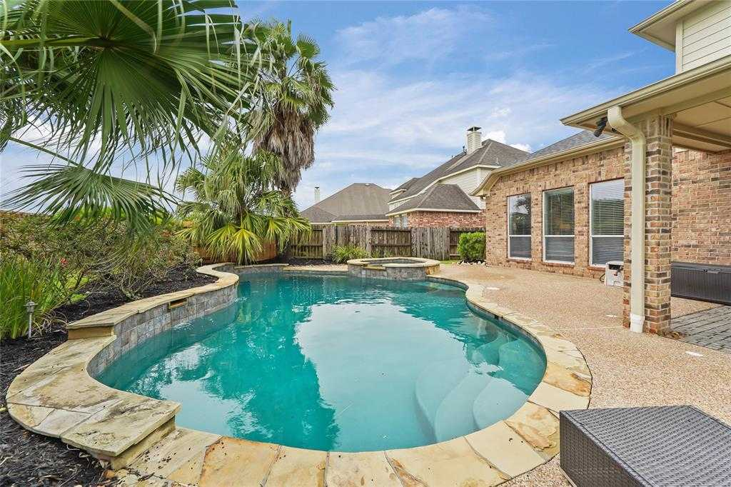 $364,900 - 5Br/3Ba -  for Sale in Fall Creek, Humble