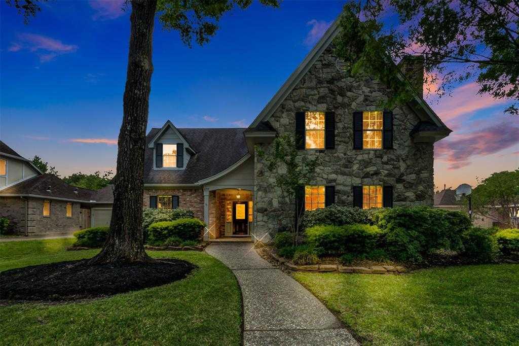 $327,000 - 5Br/5Ba -  for Sale in Sand Creek Village Sec 02 R/p, Kingwood
