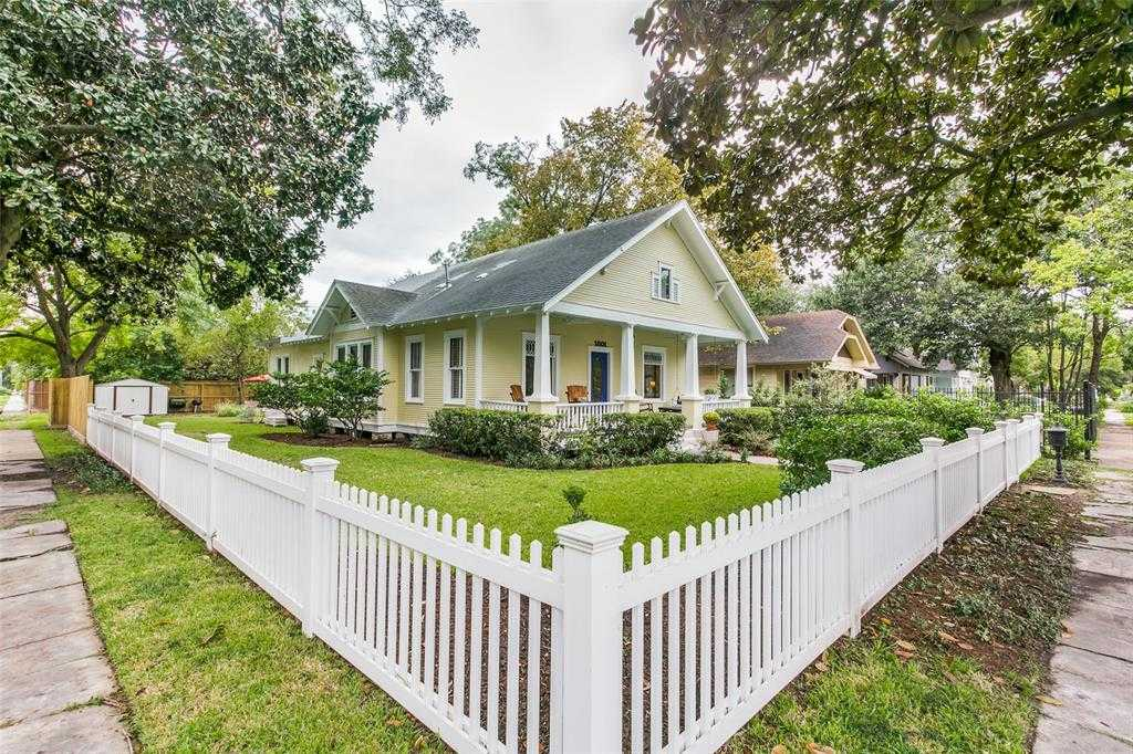 $999,995 - 4Br/3Ba -  for Sale in Houston Heights, Houston