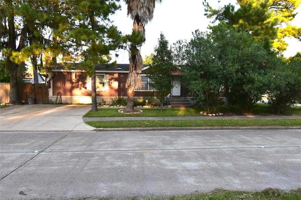 $139,900 - 4Br/2Ba -  for Sale in Greensbrook, Houston