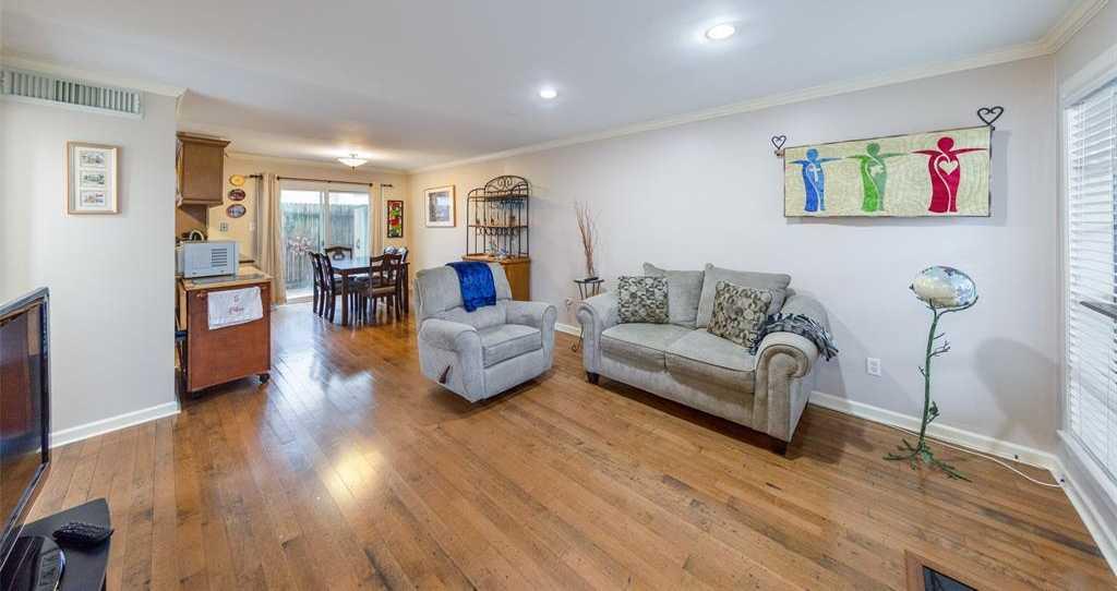 $117,900 - 2Br/2Ba -  for Sale in Kenswick Court Condo, Houston