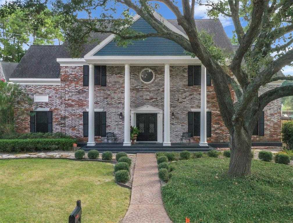 $419,900 - 4Br/3Ba -  for Sale in Inwood Forest, Houston