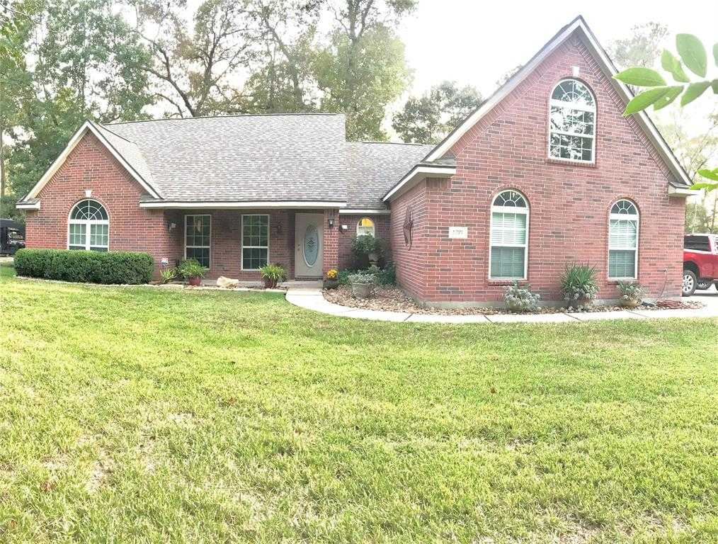 $348,500 - 3Br/2Ba -  for Sale in Lake Chateau Woods, Conroe