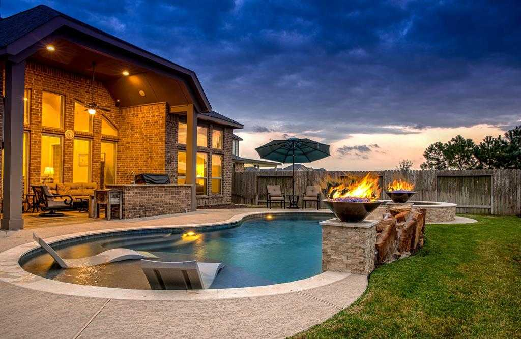 $469,000 - 4Br/4Ba -  for Sale in Hayden Lakes, Cypress
